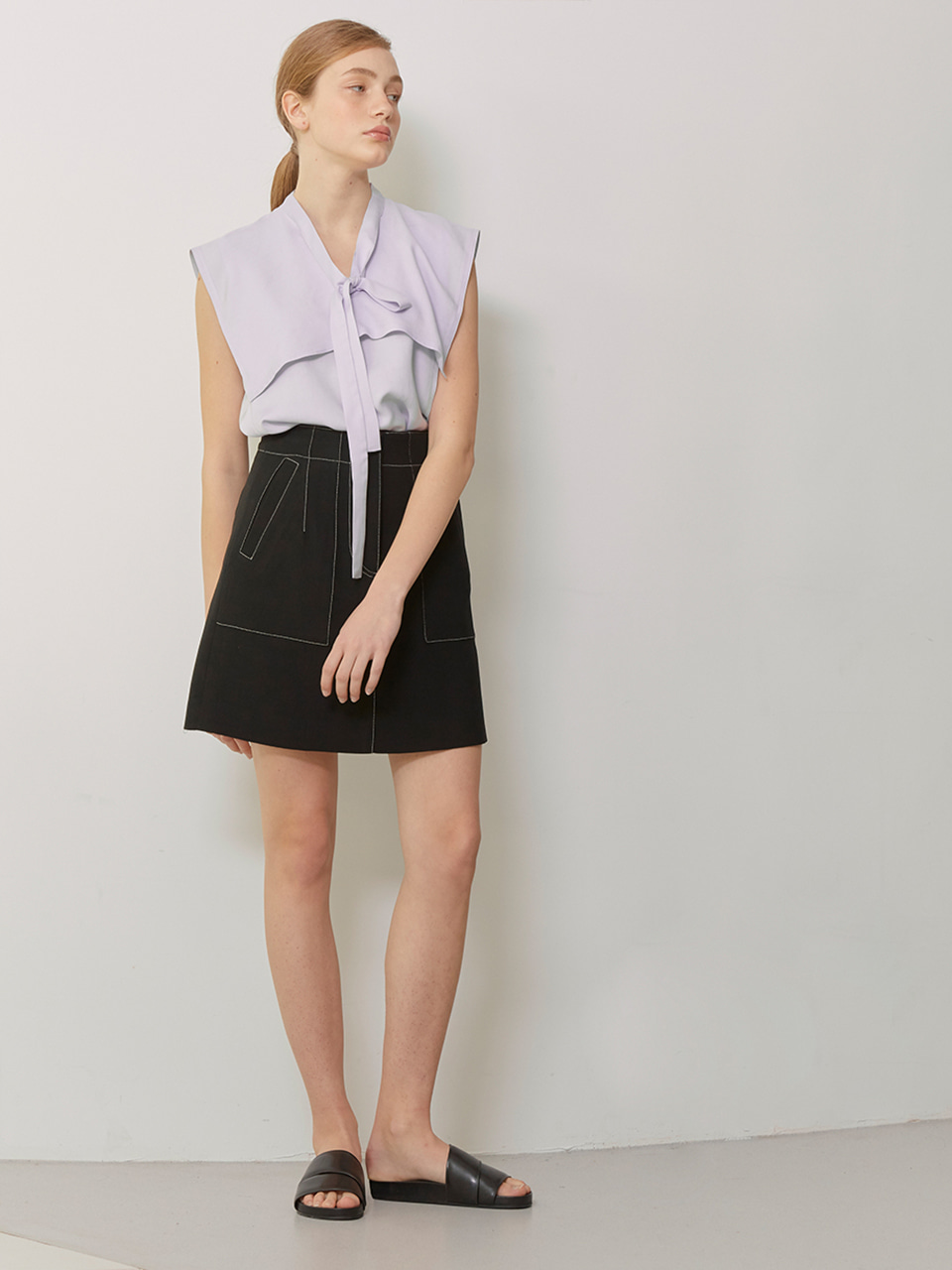 ISA_Contrast Stitched Mini Skirts_Black