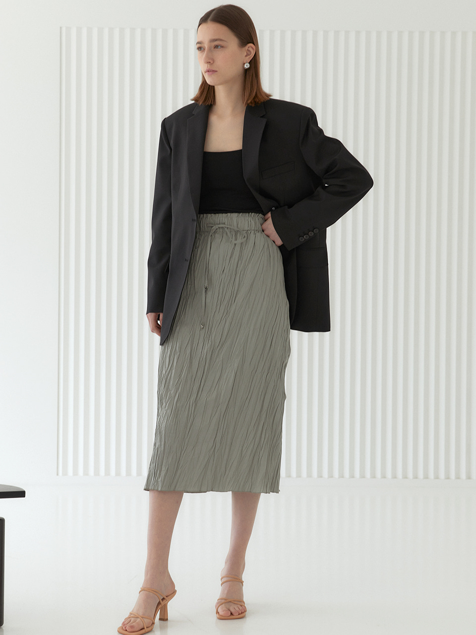 ANNA_Pleated H-line Midi Skirt_Olive